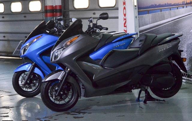2017_Honda_NSS300_PCX_New_Colour_BR_2